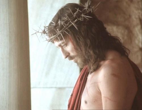 jesus corona e1348294827661 Imagenes de Jesus con la Corona de Espinas